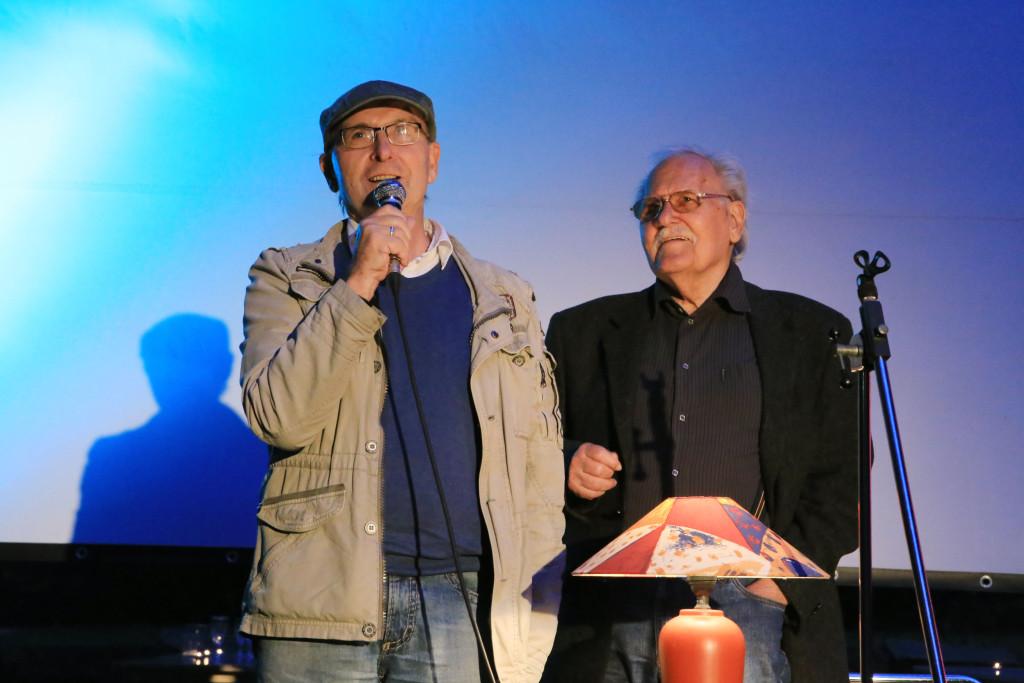 Dr. Hans-Joachim Schwochow stellte uns in seiner Moderation den bekannten Schauspieler, Regisseur und Synchronsprecher Walter Niklaus vor.